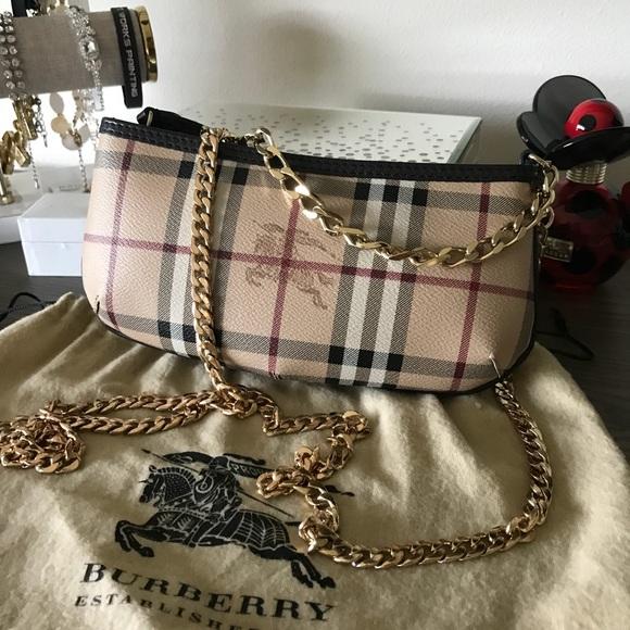 6f2d1778f19 Burberry Handbags - Authentic Burberry haymarket crossbody chain bag